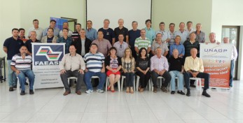 Participantes da reunião da UNAOP