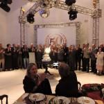 O Presidente da ASSENAG Eng. Bombonato, diretores e conselheiros cortam o bolo de cinquenta anos da associação