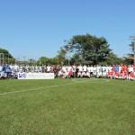 Equipes participantes perfiladas na abertura do torneio
